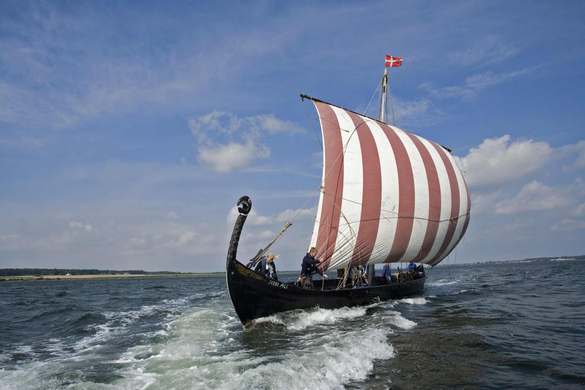 Viking for a day – Help launch a viking warship - Hej Sønderborg